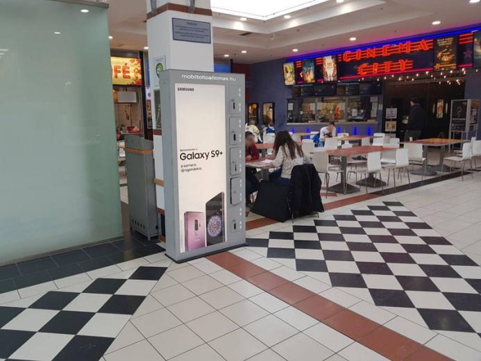 Mobiltöltőállomáson a SAMSUNG GALAXY S9+: Balaton Pláza
