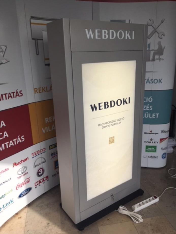 WEBDOKI egyedi mobiltöltőállomás: webdoki mobiltoltoallomas 01