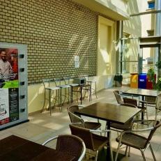 Mobiltöltőállomások az Egyetemeken és Főiskolákon